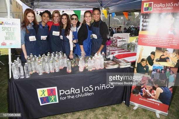 Actresses Darby Stanchfield Alexandra Shipp Julie Bowen Samantha Harris Kaya Callahan and Eva LaRue attend Celebrity Friends Volunteer with Feeding...