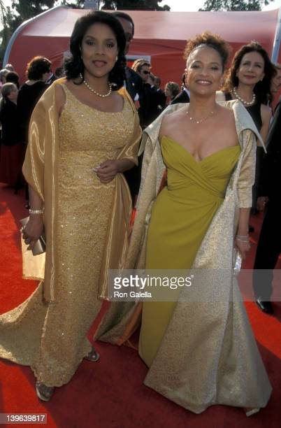Actresses Debbie Allen and Phylicia Rashad attending 73rd Annual Academy Awards on March 25 2001 at the Shrine Auditorium in Los Angeles California