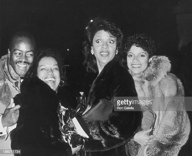 Actresses Debbie Allen and Phylicia Rashad Otis Sallid and guest attending Kennedy Center Honors Awards on December 2 1984 at the Kennedy Center in...