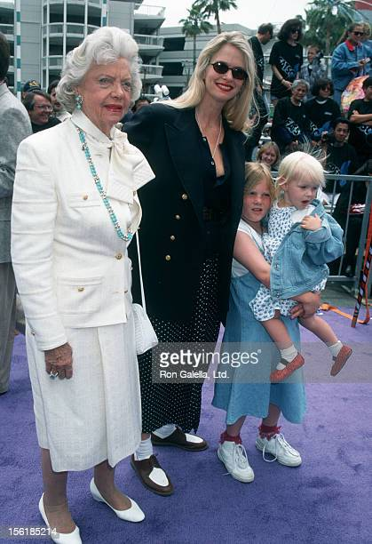 Actresses Frances Tigretts and Donna Dixon and daughters Danielle Aykroyd and Belle Aykroyd attend the world premiere of 'Casper' on May 21 1995 at...