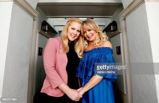 Actresses Goldie Hawn and Amy Schumer are photographed for Los Angeles Times on April 20 2017 in Santa Monica California PUBLISHED IMAGE CREDIT MUST...