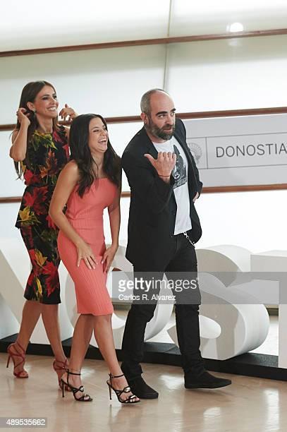Actresses Goya Toledo Paola Dario and actor Luis Tosar attend the El Desconocido photocall at the Kursaal Palace during 63rd San Sebastian...