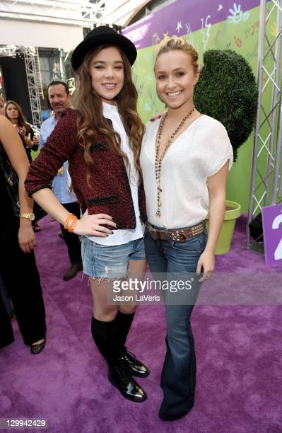 Actresses Hailee Steinfeld and Hayden Panettiere at the Hub booth during Variety's 5th annual Power Of Youth event presented by The Hub at Paramount...
