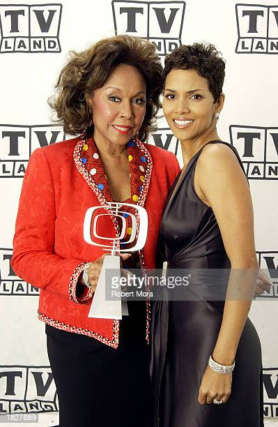 Actresses Halle Berry and Diahann Carroll pose backstage at the TV Land Awards 2003 at the Hollywood Palladium on March 2 2003 in Hollywood...