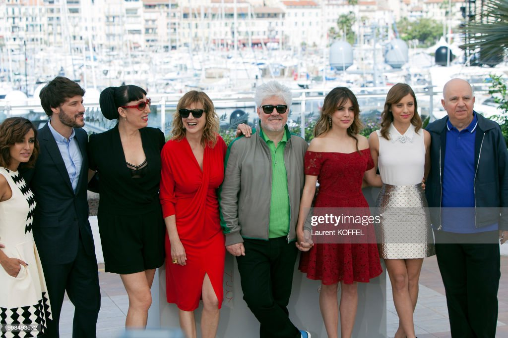 Julieta' - Photocall - The 69th Annual Cannes Film Festival : Photo d'actualité
