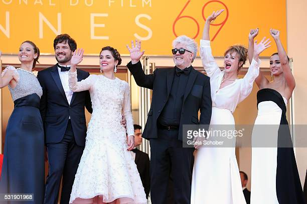 Actresses Inma Cuesta Emma Suarez Director Pedro Almodova actress Adriana Ugarte actor Daniel Grao and actress Michelle Jenner attend the Julieta...