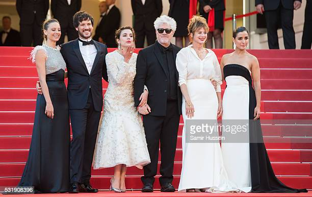 Actresses Inma Cuesta Emma Suarez Director Pedro Almodova actress Adriana Ugarte actor Daniel Grao and actress Michelle Jenner attend the screening...