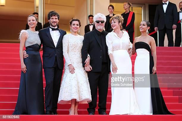 Actresses Inma Cuesta Emma Suarez Director Pedro Almodovar actress Adriana Ugarte actor Daniel Grao and actress Michelle Jenner attend the Julieta...
