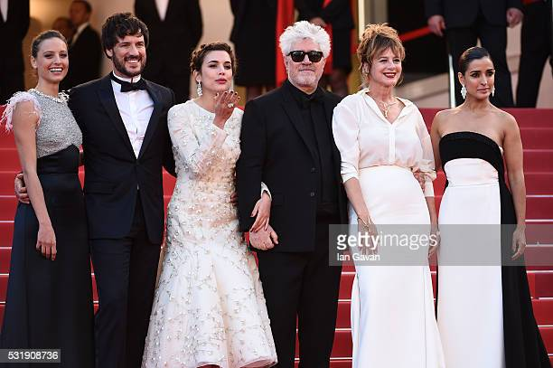 Actresses Inma Cuesta Emma Suarez Director Pedro Almodovar actress Adriana Ugarte actor Daniel Grao and actress Michelle Jenner attend the Julieta...