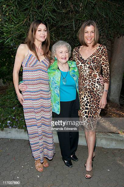 Actresses Jane Leeves, Betty White and Wendie Malick attend the 2011 GLAZA Beastly Ball at the Los Angeles Zoo on June 18, 2011 in Los Angeles,...