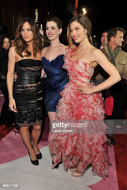 Actresses Jennifer Garner Anne Hathaway and Jessica Biel arrive at the 'Valentine's Day' Los Angeles Premiere at Grauman's Chinese Theatre on...