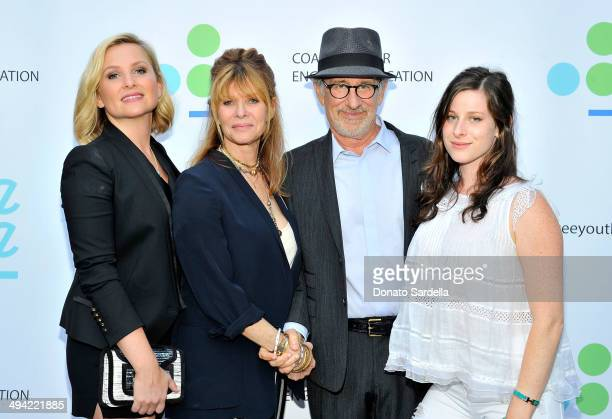 Actresses Jessica Capshaw Kate Capshaw Director Steven Spielberg and actress Sasha Spielberg attend the first annual Poetic Justice Fundraiser for...