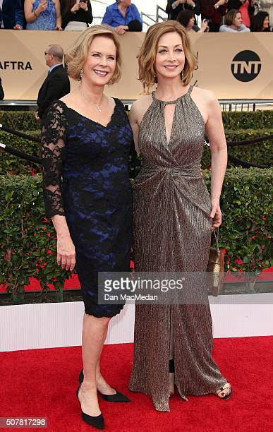 Actresses JoBeth Williams and Sharon Lawrence attend the 22nd Annual Screen Actors Guild Awards at The Shrine Auditorium on January 30 2016 in Los...