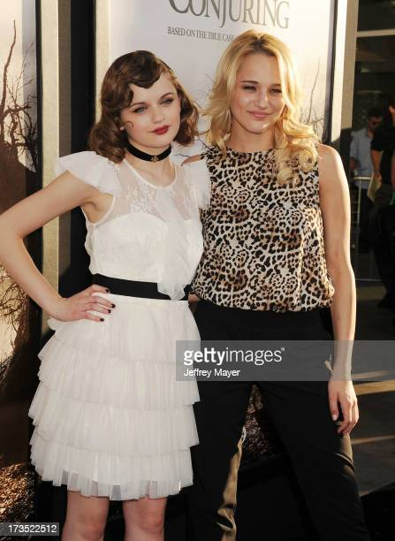 """Actresses Joey King and Hunter King arrive at """"The Conjuring"""" Los Angeles Premiere at the ArcLight Cinemas Cinerama Dome on July 15, 2013 in..."""
