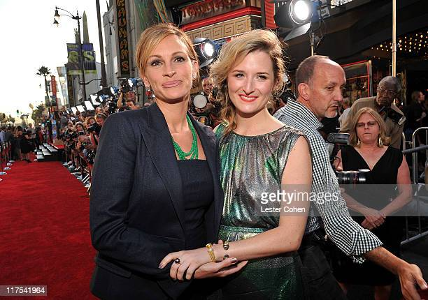 Actresses Julia Roberts and Grace Gummer arrive at the 'Larry Crowne' Los Angeles premiere at Grauman's Chinese Theatre on June 27 2011 in Hollywood...