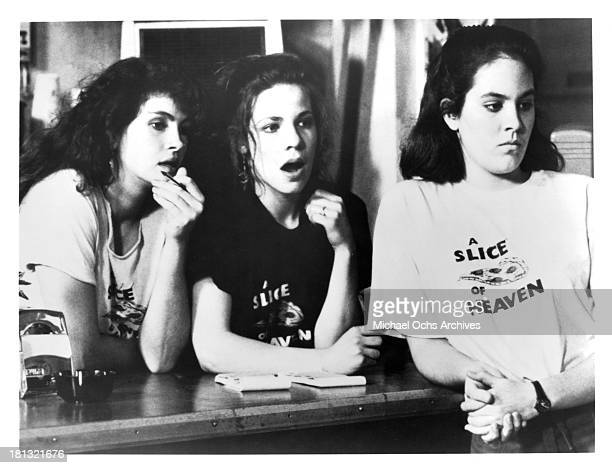 Actresses Julia Roberts Lili Taylor and Annabeth Gish on set of the movie Mystic Pizza in 1988