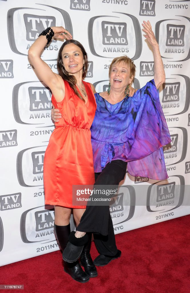 Actresses Justine Bateman (L) and Cloris Leachman attend the 9th Annual TV Land Awards at the Javits Center on April 10, 2011 in New York City.