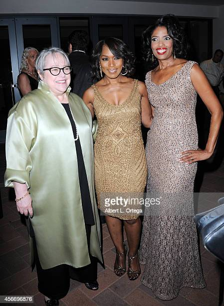 Actresses Kathy Bates Angela Bassett and Broadcast Analyst Areva Martin arrive for the Special Needs Network's 9th Annual 'Evening Under The Stars' A...