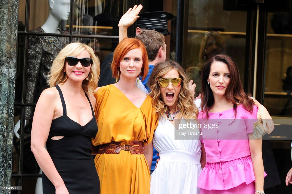 Actresses Kim Cattrall, Cynthia Nixon, Sarah Jessica Parker, and Kristen Davis pose for photos on location at the 'Sex And The City 2' film set at Bergdorf Goodman September 9, 2009 in New York City.