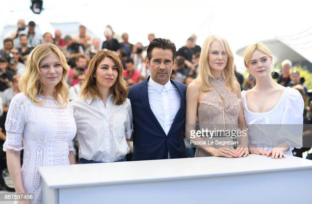 Actresses Kirsten Dunst director Sofia Coppola and actors Colin Farrell Nicole Kidman Elle Fanning attend The Beguiled photocall during the 70th...