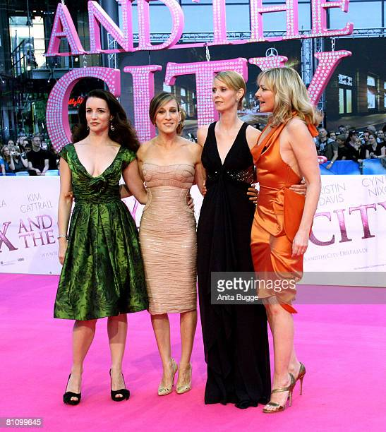 Actresses Kristin Davis Sarah Jessica Parker Cynthia Nixon and Kim Catrall attend the German premiere of 'Sex And The City' at the Cinestar movie...
