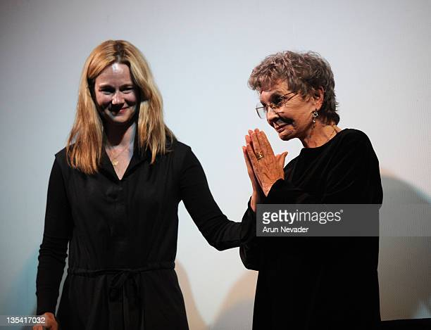 Actresses Laura Linney and Jean Simmons greet the audience during her tribute at the 35th Telluride Film Festival August 30 2008 in Telluride Colorado