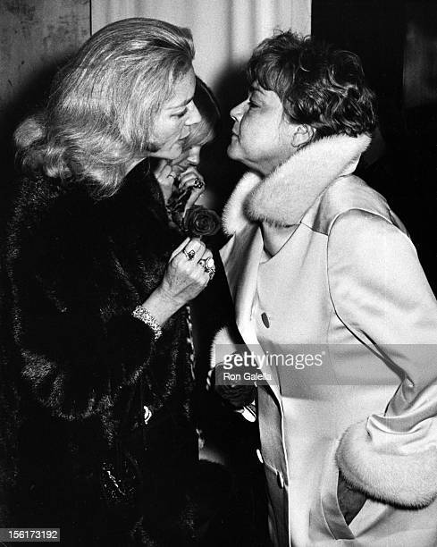 Actresses Lauren Bacall and Simone Signoret attend the premiere of 'The Seagull' on December 15, 1968 at L'Etoile Restaurant in New York City.