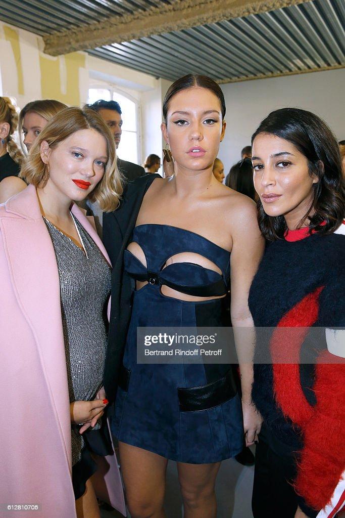 Louis Vuitton : Front Row - Paris Fashion Week Womenswear Spring/Summer 2017 : News Photo