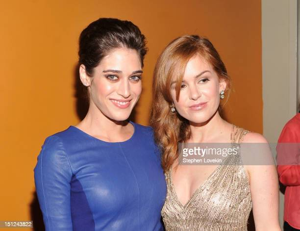 """Actresses Lizzy Caplan and Isla Fisher attend the """"Bachelorette"""" New York Premiere at Sunshine Landmark on September 4, 2012 in New York City."""