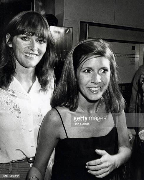 Actresses Margot Kidder and Carrie Fisher attending 'Fundraising Rally for Democratic Congressional Candidate Mark Green' on August 12 1980 at the...