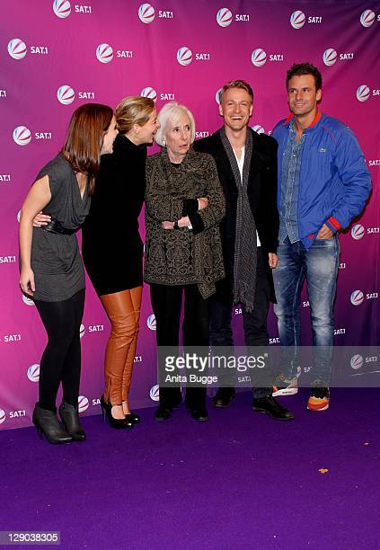 Actresses Marie Baeumer Yvonne Catterfeld and Rosemarie Fendel and actors Max von Pufendorf and Stephan Luca attend the Am Ende Der Hoffnung...