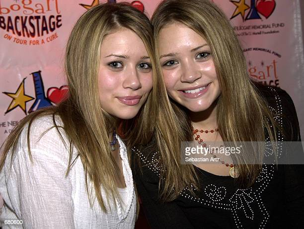 Actresses MaryKate and Ashley Olsen attend the '2001 Bogart Backstage' fundraiser for children with cancer leukemia and AIDS November 11 2001 in...
