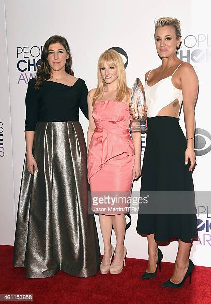 Actresses Mayim Bialik Melissa Rauch and Kaley CuocoSweeting pose in the press room at The 41st Annual People's Choice Awards at Nokia Theatre LA...