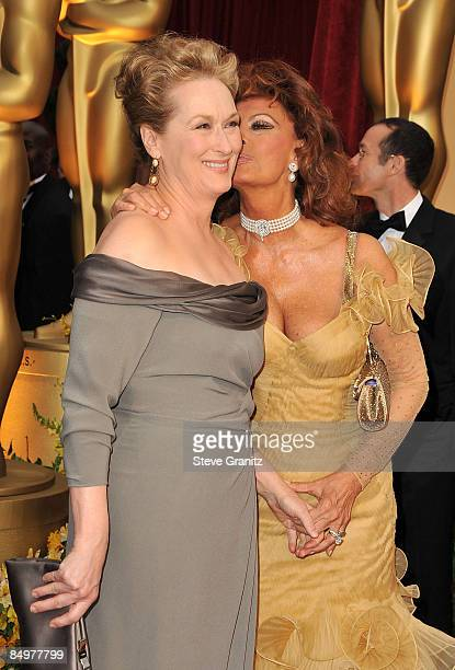 Actresses Meryl Streep and Sophia Loren arrive at the 81st Annual Academy Awards held at The Kodak Theatre on February 22 2009 in Hollywood California