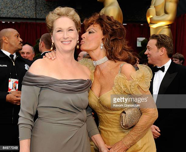Actresses Meryl Streep and Sophie Loren arrive at the 81st Annual Academy Awards held at Kodak Theatre on February 22 2009 in Los Angeles California
