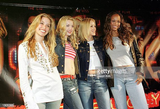 Actresses Piper Perabo Izabella Miko Maria Bello and Tyra Banks from the upcoming movie Coyote Ugly appears July 21 in Hermosa Beach CA
