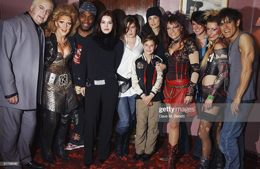 Actresses Priscilla Presley, Scout Willis, Tallulah Willis and Demi Moore backstage after seeing 'We Will Rock You', the Queen musical at the Dominion Theatre on November 10, 2004 in London. Demi Moore is in London filming with her daughters and Priscilla Presley is in London to receive the UK Rock 'n' Roll Hall of Fame for her ex-husband Elvis. (Photo by Dave Benett/Getty Images).