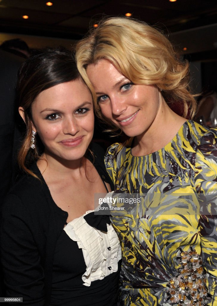 Actresses Rachel Bilson (L) and Elizabeth Banks attend the 'Art of Elysium Paradis Dinner and Party' at Michael Saylor's Yacht, Slip S05 during the 63rd Annual Cannes Film Festival on May 19, 2010 in Cannes, France.