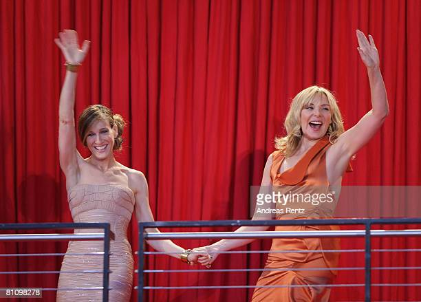 Actresses Sarah Jessica Parker and Kim Catrall arrive at the German premiere of 'Sex And The City' at the cinestar on May 15 2008 in Berlin Germany