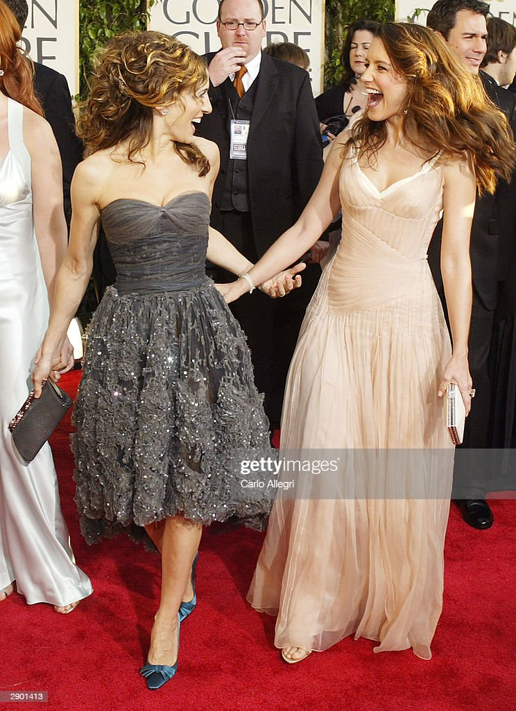 Actresses Sarah Jessica Parker and Kristin Davis attend the 61st Annual Golden Globe Awards at the Beverly Hilton Hotel on January 25, 2004 in Beverly Hills, California.