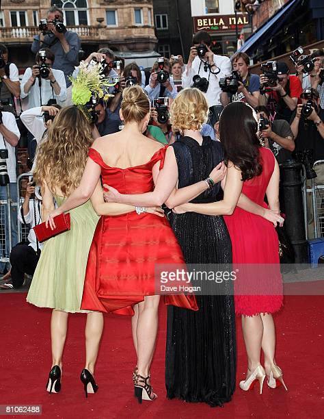 Actresses Sarah Jessica Parker Kim Catrall Cynthia Nixon and Kristin Davis arrive at the world premiere of 'Sex And The City' at the Odeon Leicester...