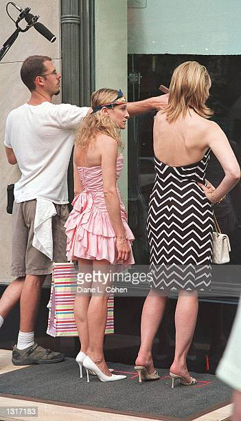 Actresses Sarah Jessica Parker left and Kim Cattrall film a scene for the HBO cable television show 'Sex in the City' June 12 2001 in New York...
