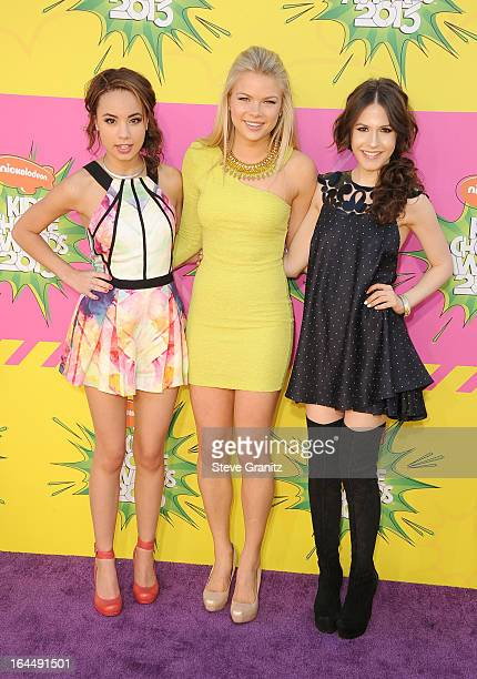 Actresses Savannah Jayde Kelli Goss and Erin Sanders arrive at Nickelodeon's 26th Annual Kids' Choice Awards at USC Galen Center on March 23 2013 in...