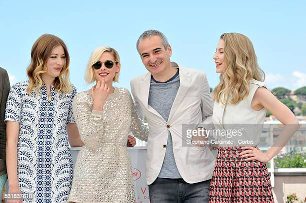 Actresses Sigrid Bouaziz Kristen Stewart director Olivier Assayas and actress Nora von Waldstatten attend the 'Personal Shopper' photocall during the...