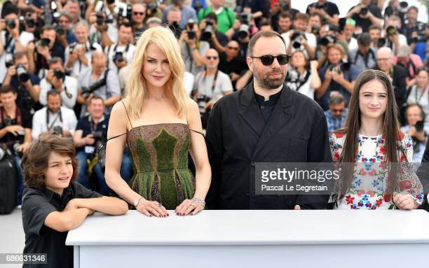 Actresses Sunny Suljic Nicole Kidman director Yorgos Lanthimos and actress Raffey Cassidy attend the 'The Killing Of A Sacred Deer' photocall during...