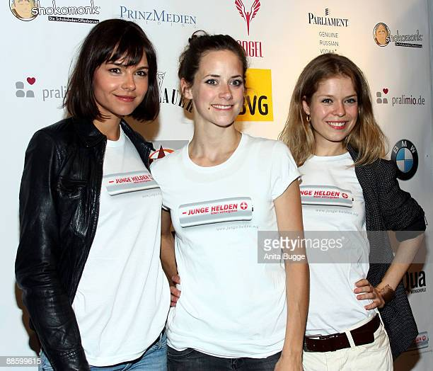 Actresses Susanne Hoecke, Anja Knauer and Cristina Do Rego attend the 'A Audiolarium Full Of Heroes' charity event on June 20, 2009 in Berlin,...