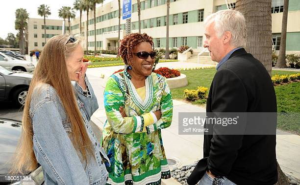 Actresses Suzy Amis CCH Pounder and director James Cameron plant first tree in North America symbolizing the one million tree initiative on behalf of...
