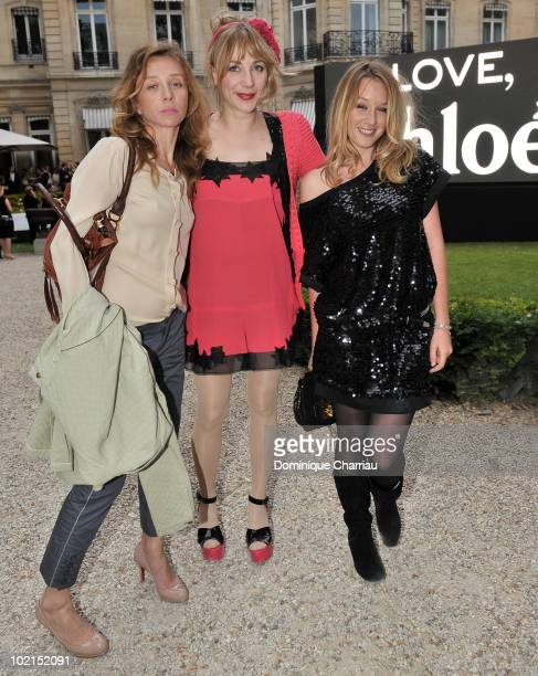 Actresses Sylvie Testud Julie Depardieu Ludivine Sagnier pose as they arrive at the Chloe new Fragance Launch at the Apicius restaurant in Paris on...