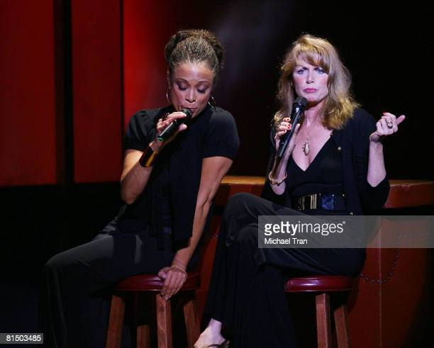 Actresses Valarie Pettiford and Marcia Strassman perform at the What A Pair 6 a celebrity concert benefiting The John Wayne Cancer Institute at St...