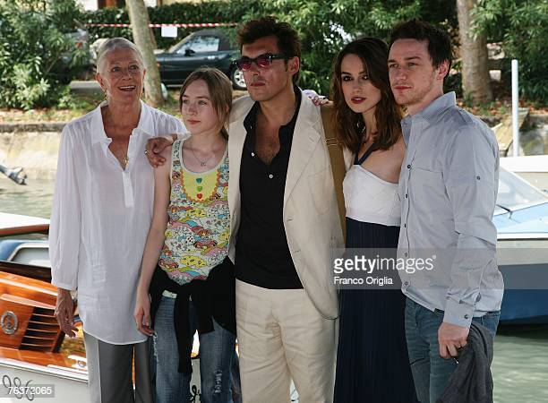 Actresses Vanessa Redgrave Saoirse Ronan director Joe Wright actors Keira Knightley and James McAvoy arrive to attend the Atonement photocall during...